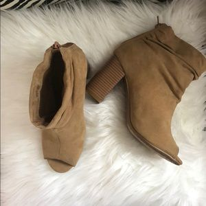 Tan fo suede Chinese Laundry open toe booties